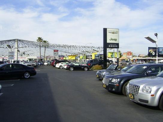 Huntington Beach Dodge >> Huntington Beach Chrysler Dodge Jeep Ram Car Dealership In
