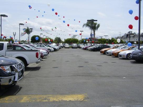 Cerritos Nissan Car Dealership In Cerritos Ca 90703 Kelley Blue Book