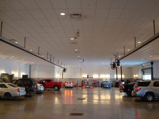 Pat Lobb Toyota Of McKinney Car Dealership In McKinney, TX 75070 | Kelley  Blue Book
