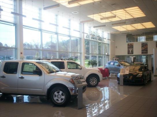 Modern Nissan Of Lake Norman Car Dealership In Cornelius, NC 28031 | Kelley  Blue Book