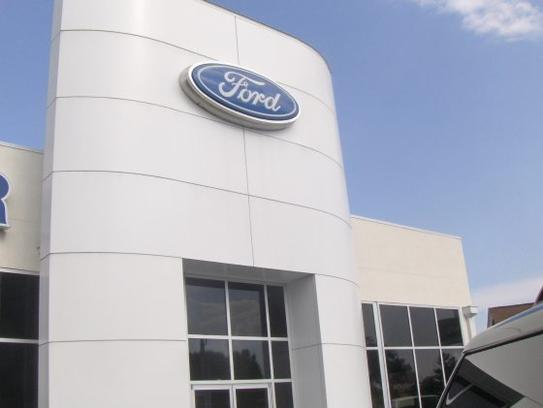 Banner Ford 2