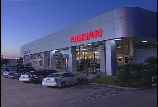 David McDavid Nissan Car Dealership In Houston, TX 77034 | Kelley Blue Book