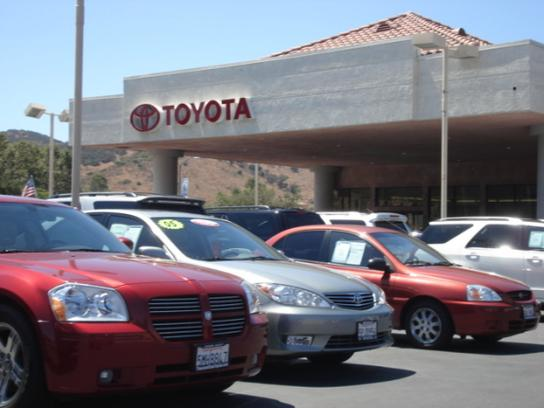 Thousand Oaks Toyota Car Dealership In Thousand Oaks Ca 91362