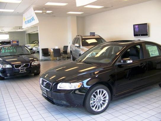 Velde Lincoln Volvo car dealership in Peoria, IL 61615 | Kelley Blue