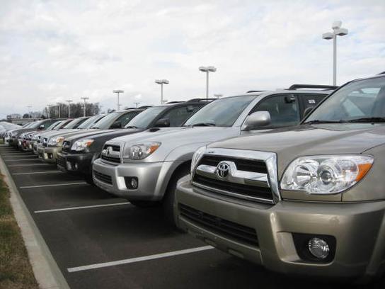 Fox Toyota Scion Car Dealership In Clinton, TN 37716 6634 | Kelley Blue Book