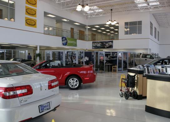 Mills Ford Willmar >> Mills Ford Lincoln Chrysler Willmar Car Dealership In
