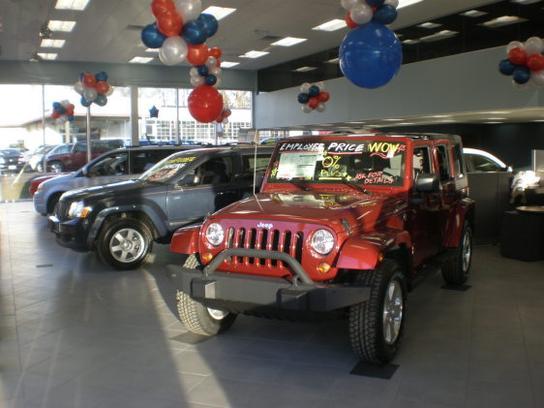 Delightful East Hills Chrysler Jeep Dodge Car Dealership In Greenvale, NY 11548 |  Kelley Blue Book