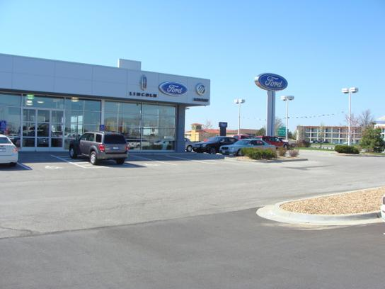 Blue Springs Ford Car Dealership In Mo 64015 1763 Kelley Book