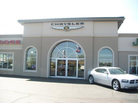 Falls motor city car dealership in cuyahoga falls oh for Falls motor city cuyahoga falls ohio