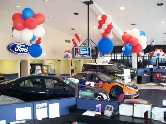 Gus Machado Ford Kendall >> Gus Machado Ford of Kendall car dealership in Miami, FL ...