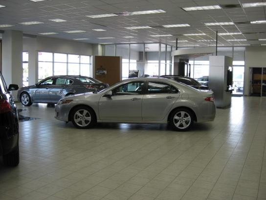 Don Carlton Acura of Tulsa 3