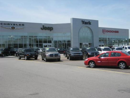 yark chrysler dodge jeep ram car dealership in toledo oh 43615 1803 kelley blue book. Black Bedroom Furniture Sets. Home Design Ideas