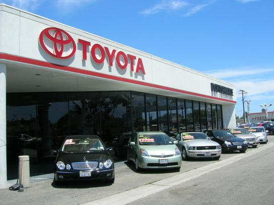 DCH Toyota of Torrance 2