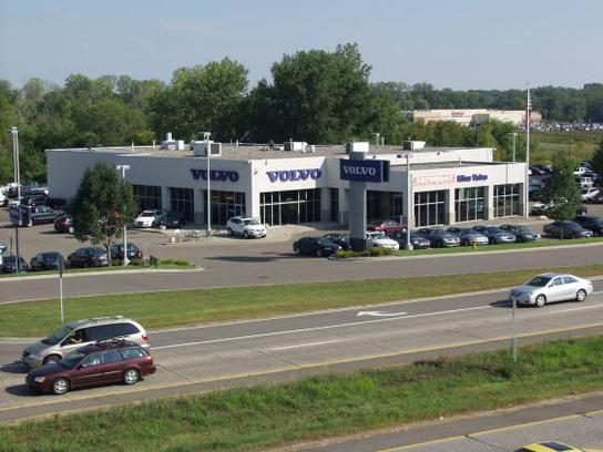 Kline Volvo Cars of Maplewood 2