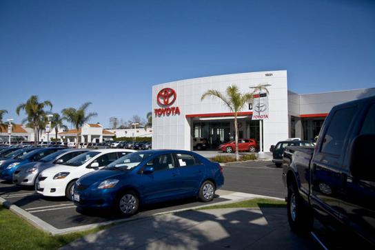 Toyota Of Oxnard >> Dch Toyota Of Oxnard Car Dealership In Oxnard Ca 93036 Kelley