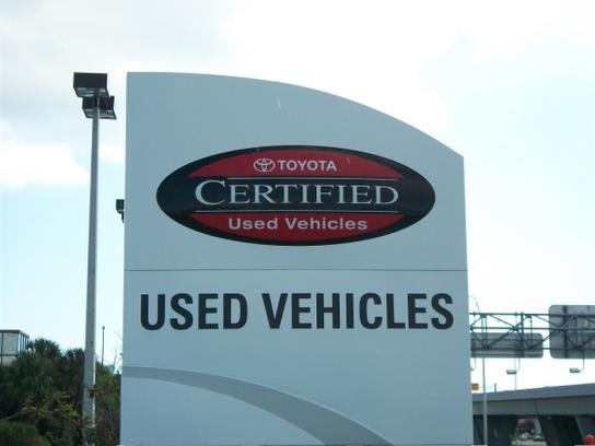 Clearwater Toyota Car Dealership In Fl 33765 2835 Kelley Blue Book