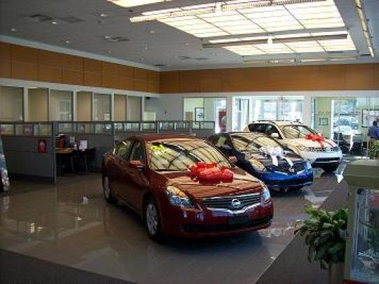 cronic nissan car dealership in griffin ga 30223 kelley blue book. Black Bedroom Furniture Sets. Home Design Ideas