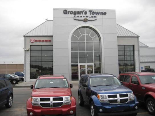 Grogan S Towne Chrysler Jeep Dodge Ram Car Dealership In Toledo Oh