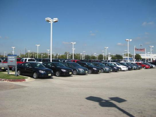 Vara Chevrolet car dealership in San Antonio, TX 78224   Kelley Blue