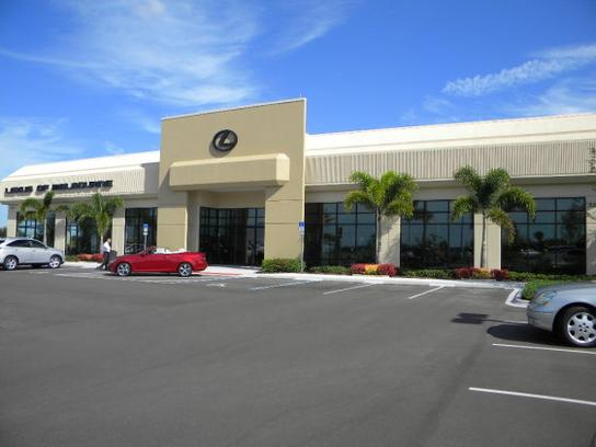 Lexus of Melbourne - 30 Minutes from Orlando 1