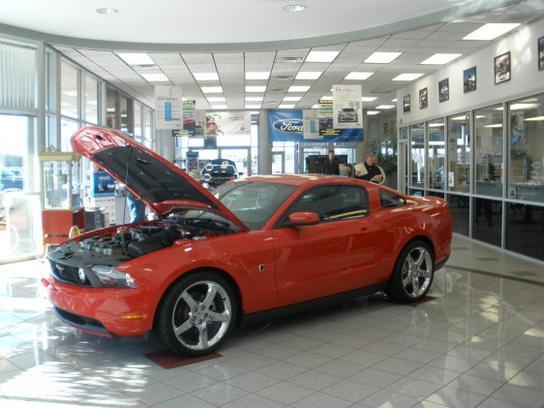 Green Ford Car Dealership In Greensboro Nc 27407 0246 Kelley