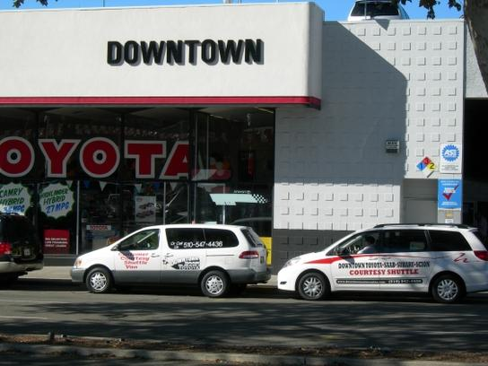 Downtown Toyota of Oakland 1