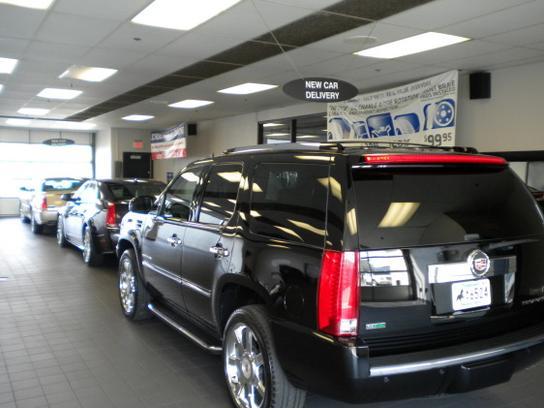 Crest Cadillac Nashville >> Crest Cadillac Car Dealership In Nashville Tn 37221 Kelley Blue Book