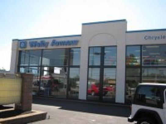 wally armour chrysler dodge jeep ram car dealership in alliance oh 44601 kelley blue book. Black Bedroom Furniture Sets. Home Design Ideas