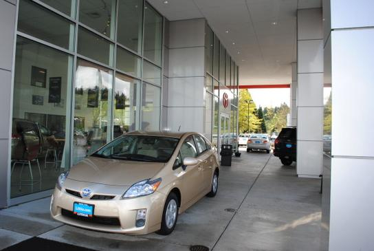 Lithia Toyota Scion of Springfield 2