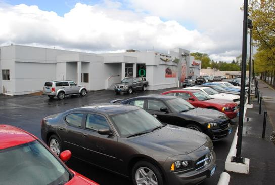 Lithia Chrysler Jeep Dodge RAM Fiat of Eugene 2