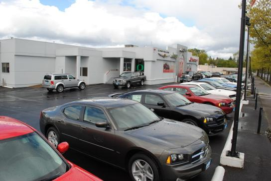 Lithia Chrysler Jeep Dodge RAM Fiat of Eugene 3