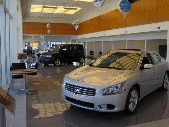 Good Cole Nissan Car Dealership In KALAMAZOO, MI 49008 1546 | Kelley Blue Book