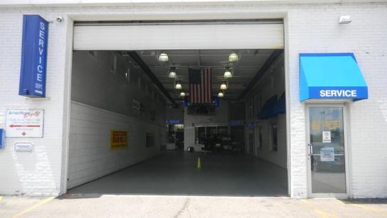 Bob Rohrman Schaumburg Ford Car Dealership In Schaumburg Il 60173