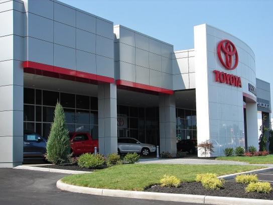 Beechmont Toyota Car Dealership In Cincinnati Oh 45255 Kelley