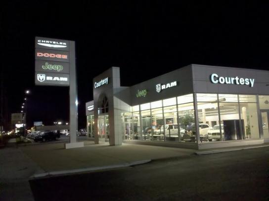 Courtesy Chrysler Jeep Dodge >> Courtesy Chrysler Dodge Jeep Ram Car Dealership In Grand