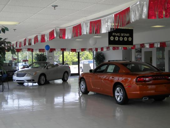 Columbia Chrysler Dodge Jeep RAM FIAT 2