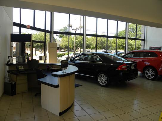 Rosenthal Fairfax Volvo car dealership in Fairfax, VA 22030 | Kelley