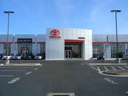 crown automotive car dealership in lawrence ks 66046 kelley blue book. Black Bedroom Furniture Sets. Home Design Ideas