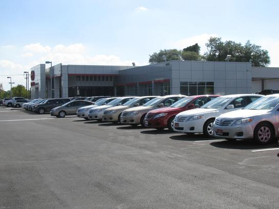 Charles Maund Toyota Car Dealership In Austin, TX 78758 | Kelley Blue Book