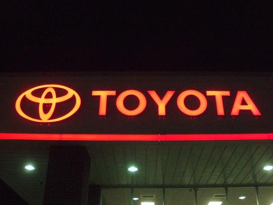 Fred Anderson Toyota of Sanford 2