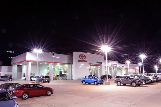 Hudiburg Toyota Car Dealership In Midwest City Ok 73110