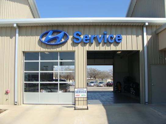 Eckert Hyundai car dealership in Denton, TX 76210-6853 | Kelley Blue