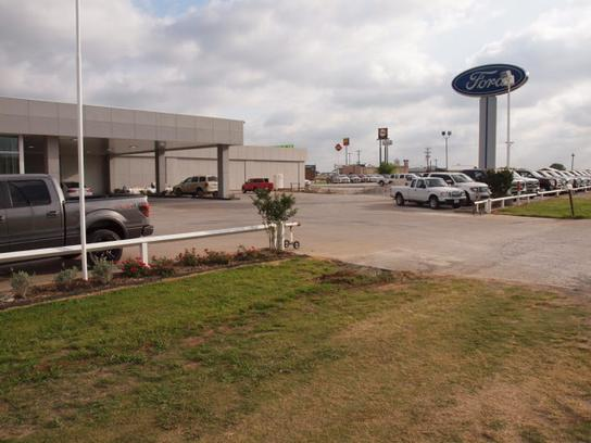Holiday Ford Whitesboro Tx >> Holiday Ford Car Dealership In Whitesboro Tx 76273 9589 Kelley