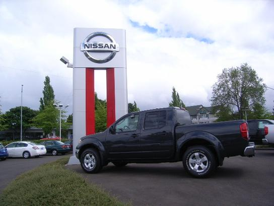 Lithia Nissan of Eugene 3