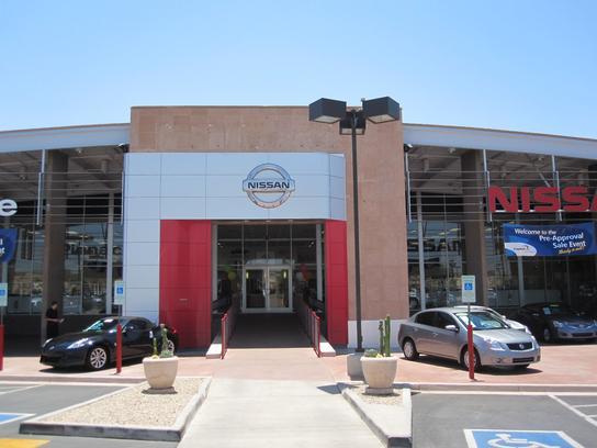 Pinnacle Nissan Car Dealership In Scottsdale, AZ 85260 | Kelley Blue Book