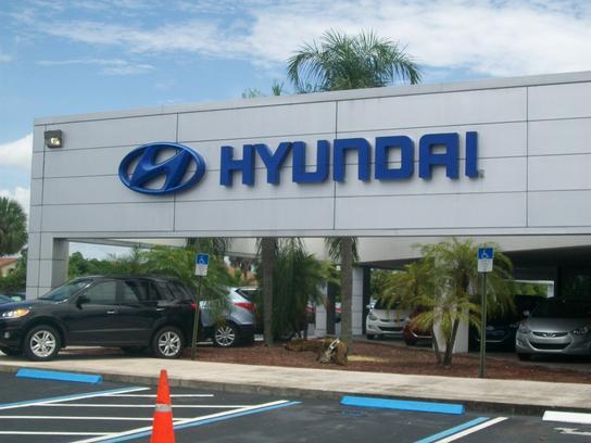 Napleton's North Palm Hyundai car dealership in Lake Park, FL 33403