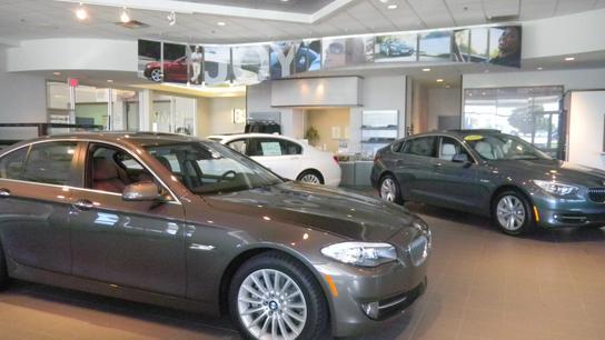 Bmw of des moines car dealership in urbandale ia 50322 for Mercedes benz of des moines urbandale ia