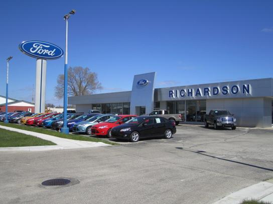 Richardson Ford Standish >> Richardson Ford Car Dealership In Standish Mi 48658 Kelley Blue Book
