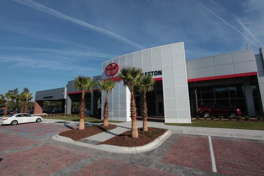 Fred Anderson Toyota of Charleston on Savannah Hwy 2