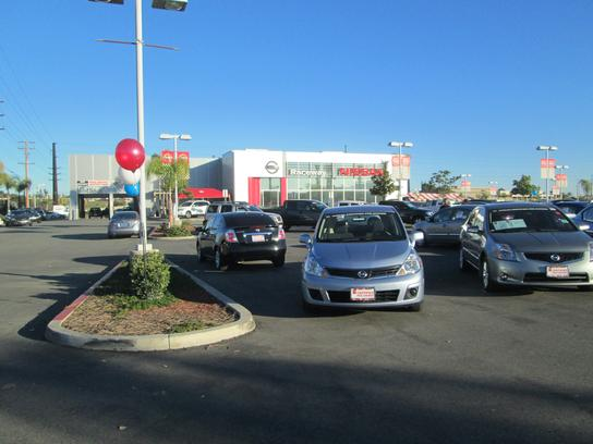 Raceway Nissan car dealership in Riverside, CA 92507-0709 | Kelley